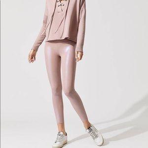 NWT Beyond Yoga Pearlized High Waist Legging